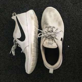 Grey Nike Roshie