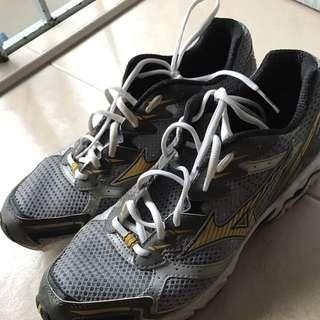 Mizuno Jogging Shoes