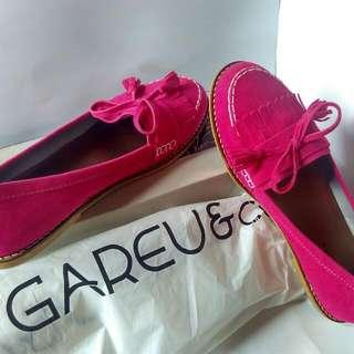 NEW GAREU Flat Shoes
