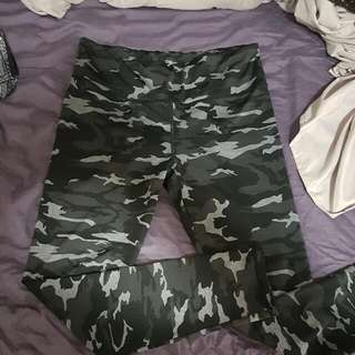 Black & White Camo Work Out Leggings