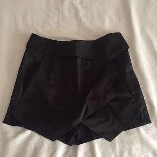 Black Skort Size 6 (XS)