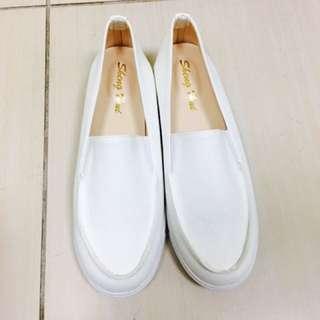 小白鞋 25 (含運)