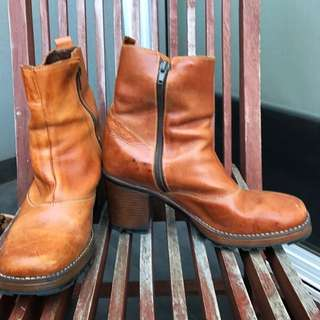 Vintage Tan Leather Chunky Boots