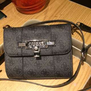 💥PRICE DROP💥GUESS Crossbody bag