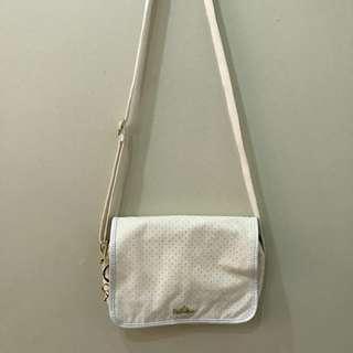 Kipling White Sling Bag ❣️