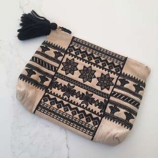 Oversized Country Road Clutch
