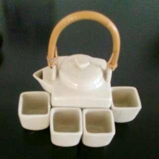 Japanese Tea Pot Set Self Collect from Void deck 412A Fernvale Link, Sengkang West, S791412