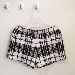 Zara Basic Hotpants