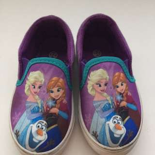 Shoes Size 22