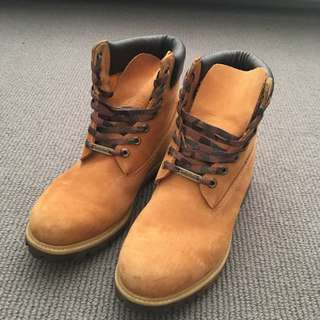 Men's Timberlands Camo Boots Size US 11