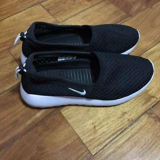 Nike Women's Roshe One Slip-On