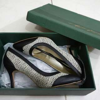 Apple Green High Heels Ethnic Black And White