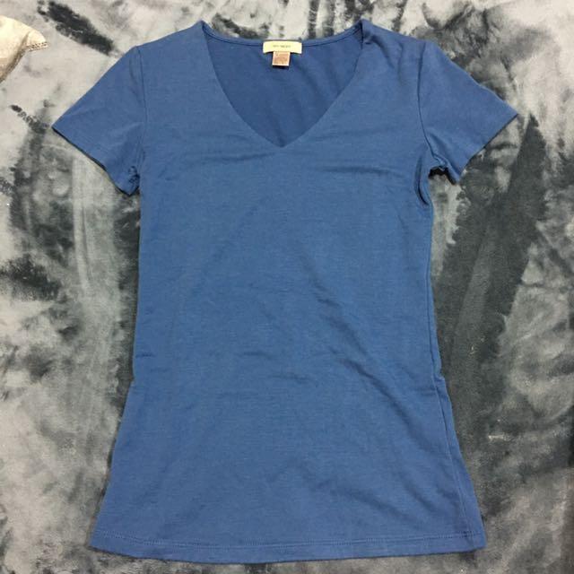 50% 藍色V領上衣
