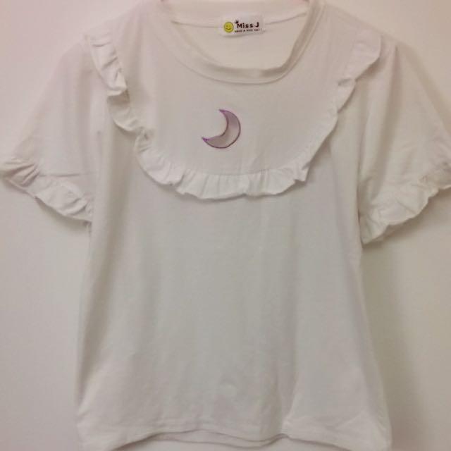 月亮鏤空荷葉袖白色上衣