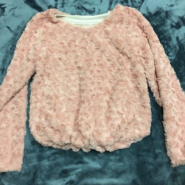 玫瑰花紋毛衣
