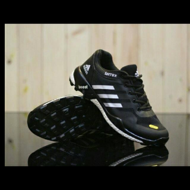 size 40 0b1ae 7d052 Adidas Terrex Boost, Mens Fashion, Mens Bags  Wallets on Car