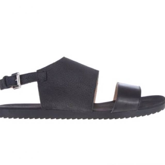 Atmos&here Wintour Black Leather Sandal