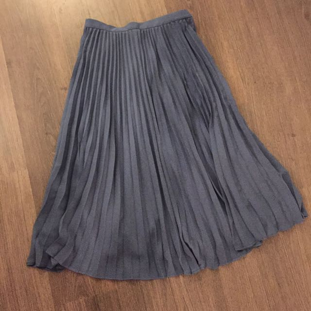 Banana Republic Pleated Skirt