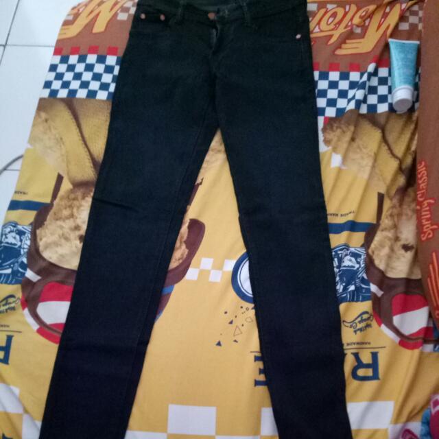 Celana Panjang Jeans Hermes