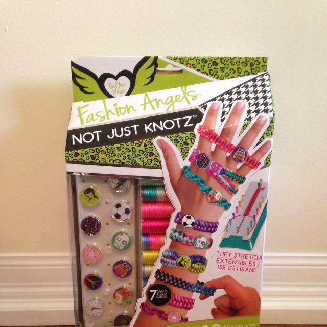 Fashion Angels bracelet making Kit