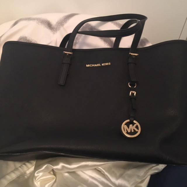 Michael Kors Jet Set Tote Purse