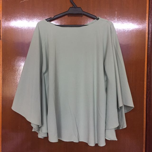 Mossy Flare Top