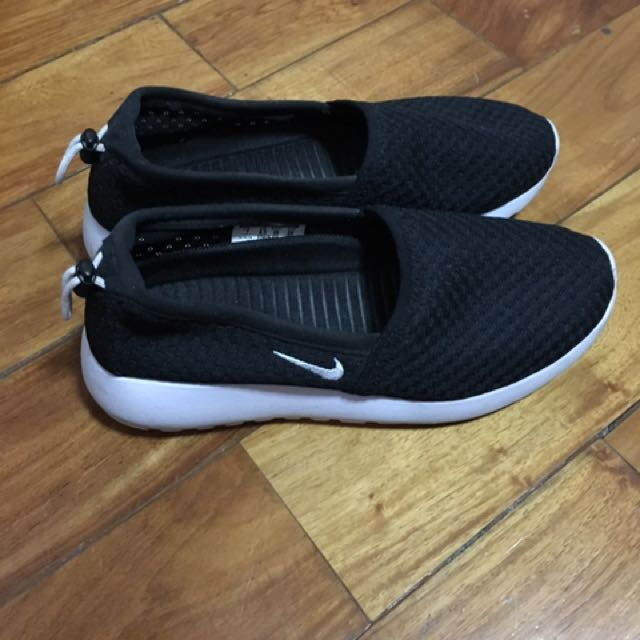 Nike Women's Roshe One Slip-On