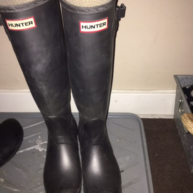 Pewter/ Grey hunter Boots size 8 Women's