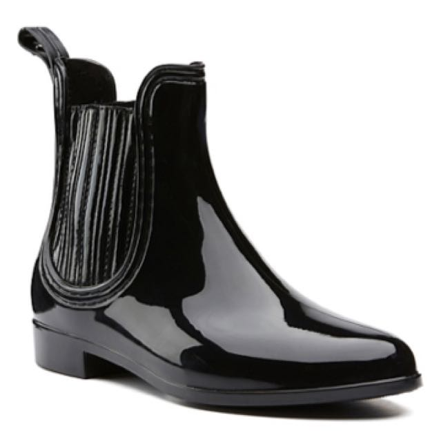 Witchery Size 8 Rain Boots Black