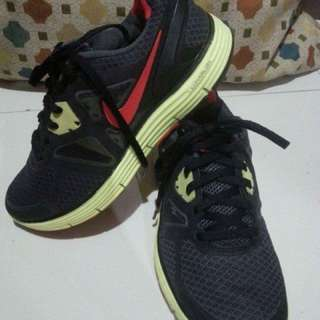 Authentic Nike LunarGlide 3