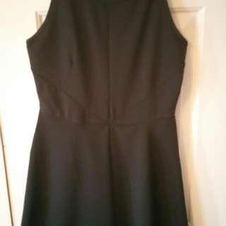 Sleeveless dress size S