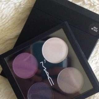 BNIB MAC Eyeshadow Palette - Hold My Gaze