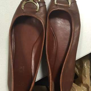 Real Leather Ralph Lauren Flats in Camel Color