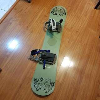 "Nale Snowboard + Bindings. 144cm/56"""