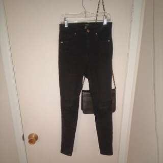 F21 Highwaisted Skinny Jeans With Knee Rips