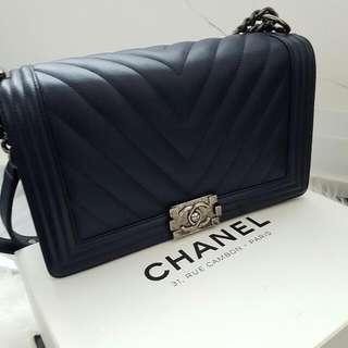 Chanel Le Boy Medium - Chevron