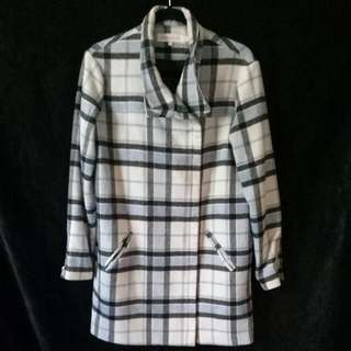 finders KEEPERS Coat Size M Good Condition