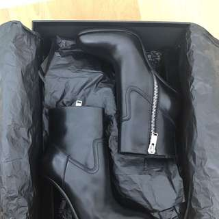SAINT LAURENT Black Leather Boots