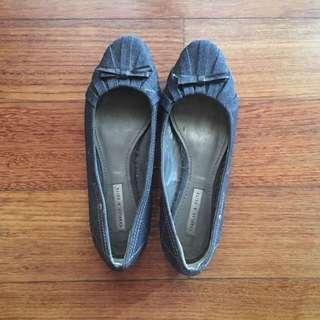 Sepatu Jeans Charles & Keith