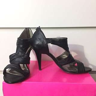 #the5andonly Black Heels (Size 8.5)