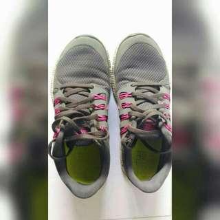 SALE : Grey Nike Free