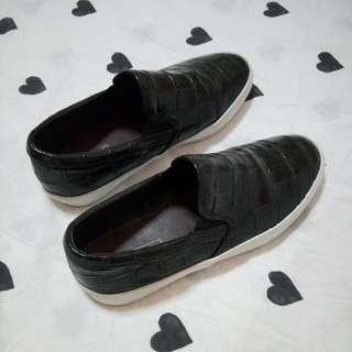 Zara Trafaluc Faux Croc Slip-on Shoes