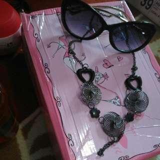 Kacamata Dior Dan Kalung