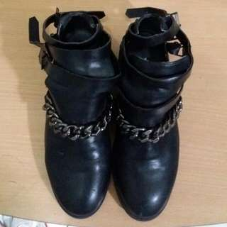 Forever21 Boots Chain