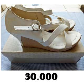 Wedges - White