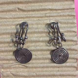 純銀小垂吊耳環