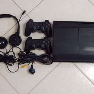 250GB PS3 + 14 GAMES + 2 CONTROLLERS + Turtle Beach Headset