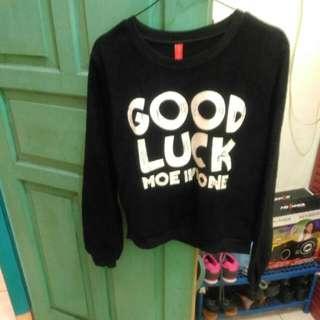 Sweater Hitam Good Luck