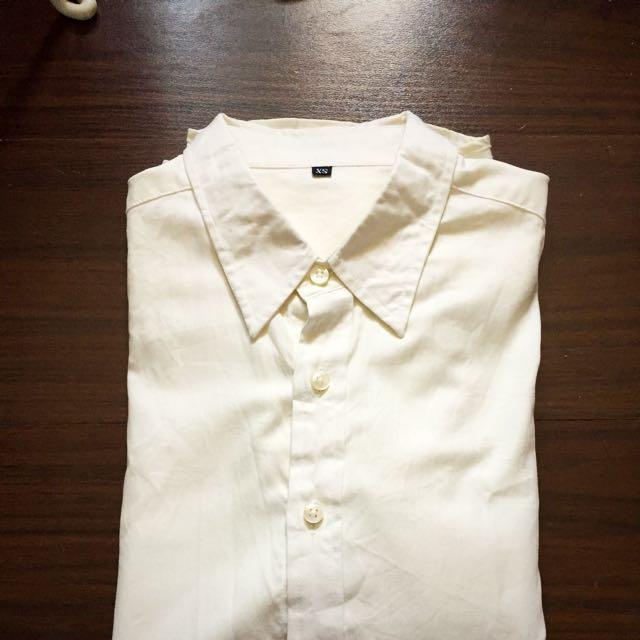 米黃白襯衫