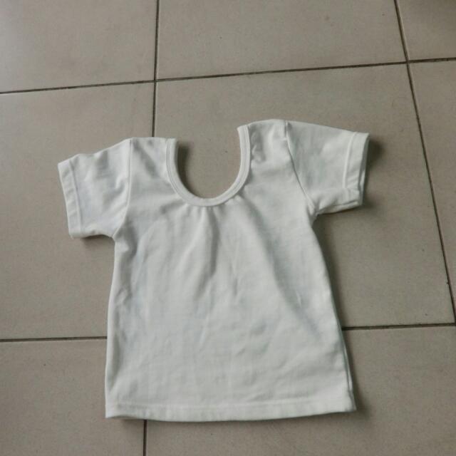 白短版上衣